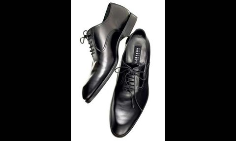 slim black oxford shoe