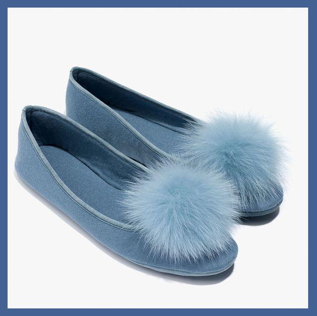 Footwear, Slipper, Shoe, Ballet flat, Fur, Flip-flops, Font, Plimsoll shoe, Brand, Silver,