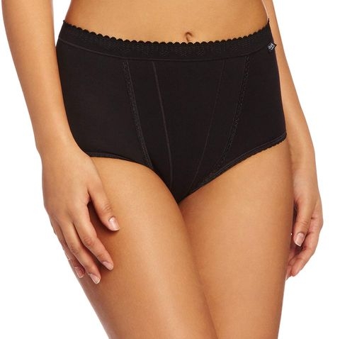 These shapewear slimming knickers are getting incredible reviews on Amazon