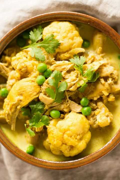 healthy slow-cooker soups: chicken cauliflower curry soup