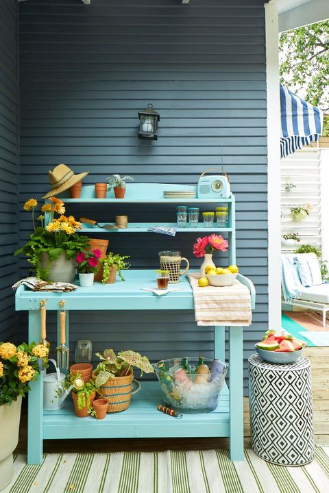 small backyard ideas   garden work bench