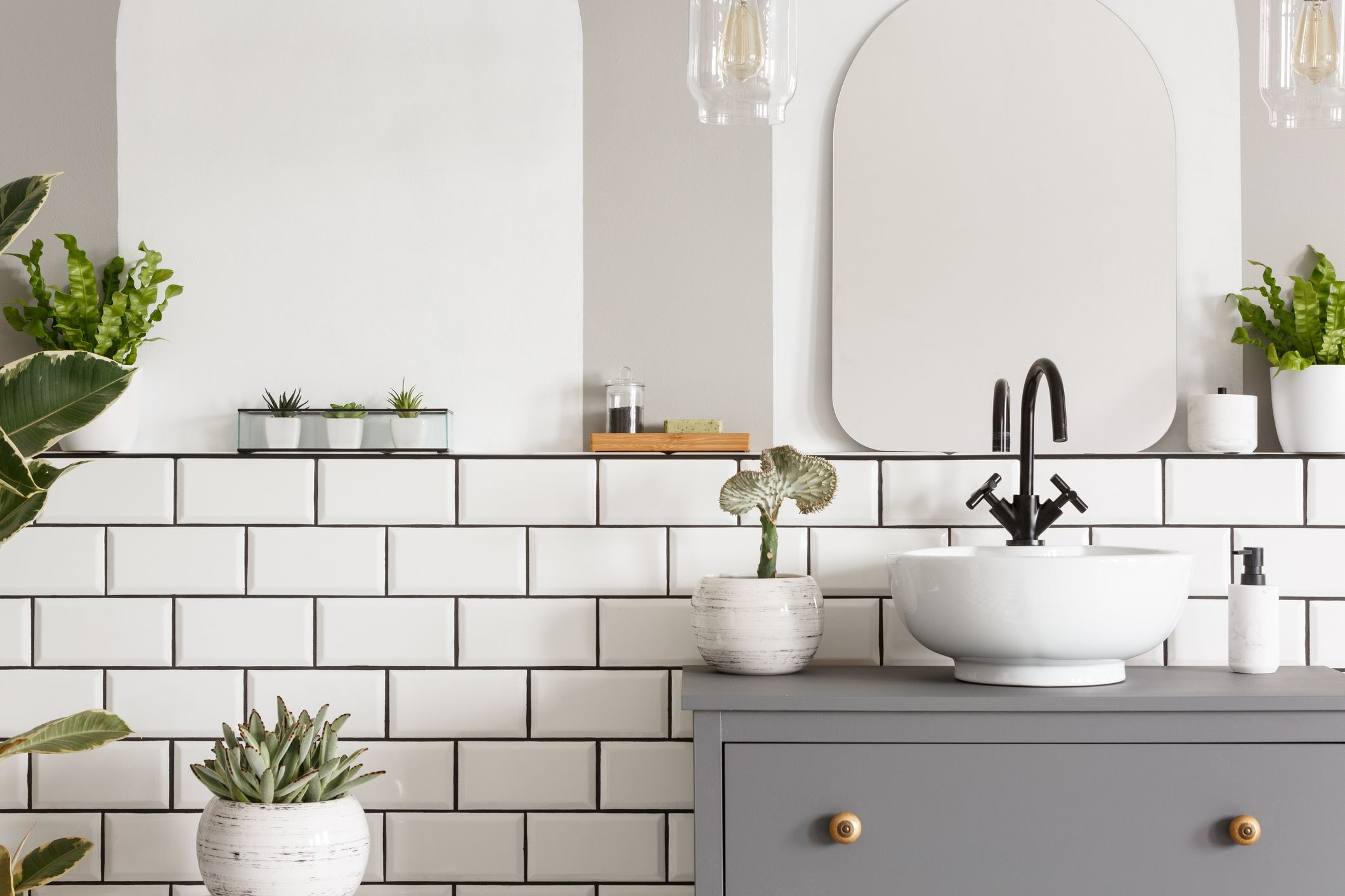 14 ways to help maximise space in a small bathroom