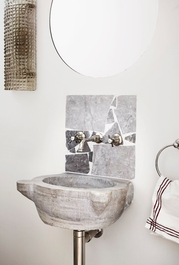 Picture of: 35 Small Bathroom Design Ideas Small Bathroom Solutions
