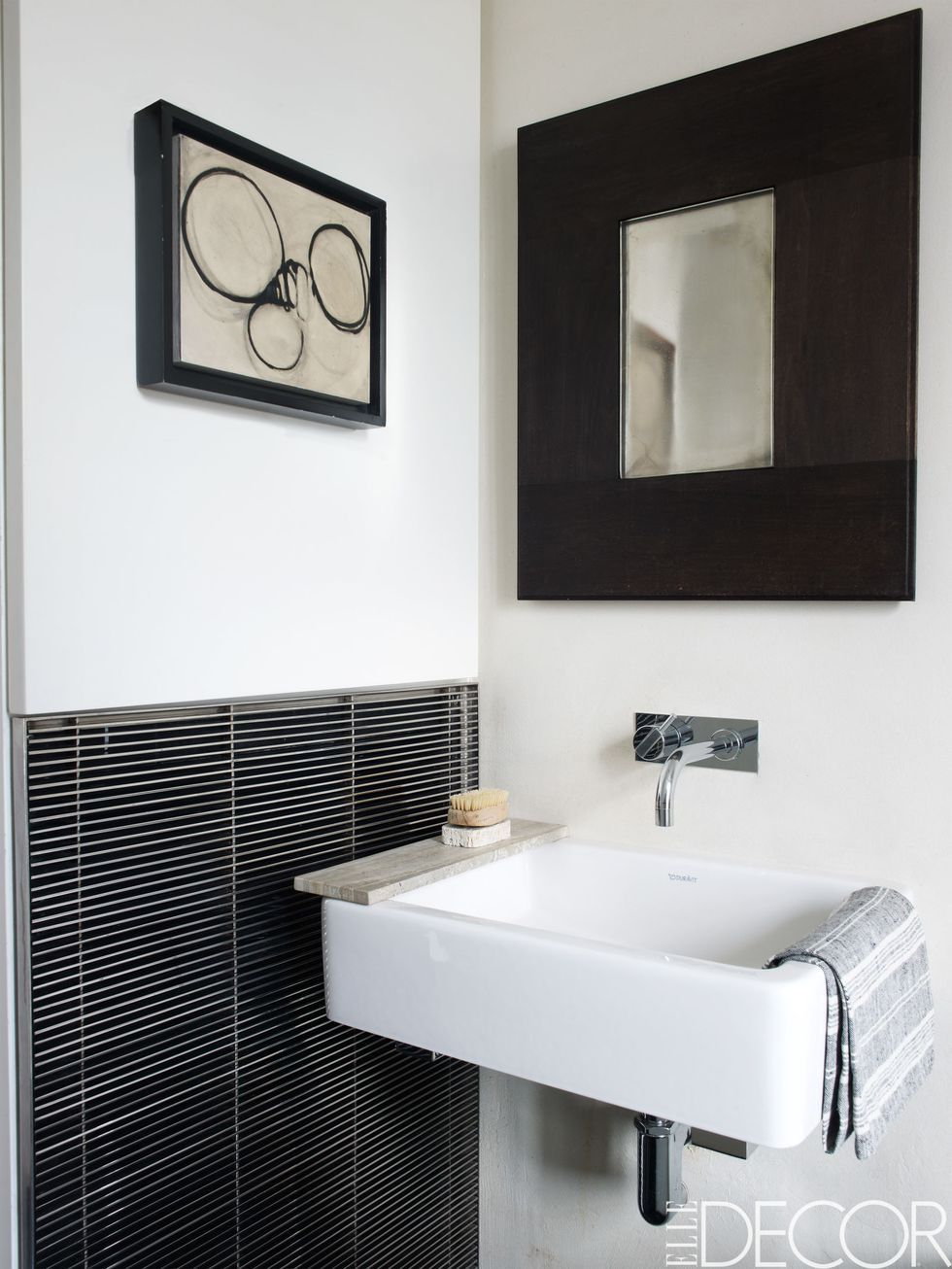 small bathroom ideas. Simon Upton. Simplistic Style : small-bathroom-interior-design - designwebi.com