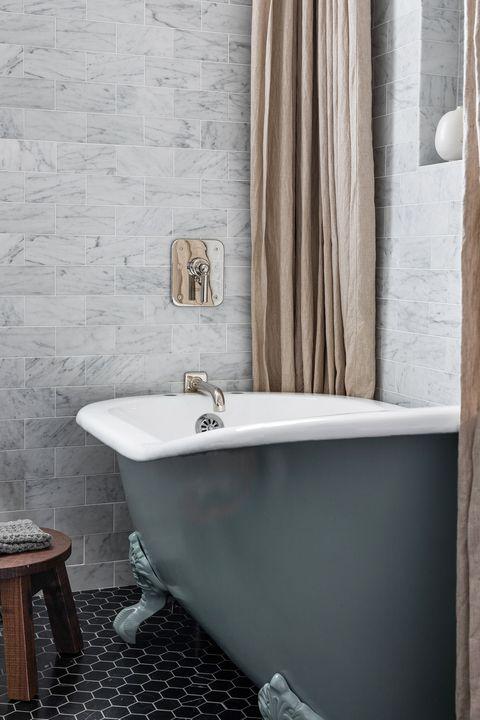 Bathroom, Room, Tile, Property, Wall, Bathtub, Interior design, Plumbing fixture, Floor, Tap,