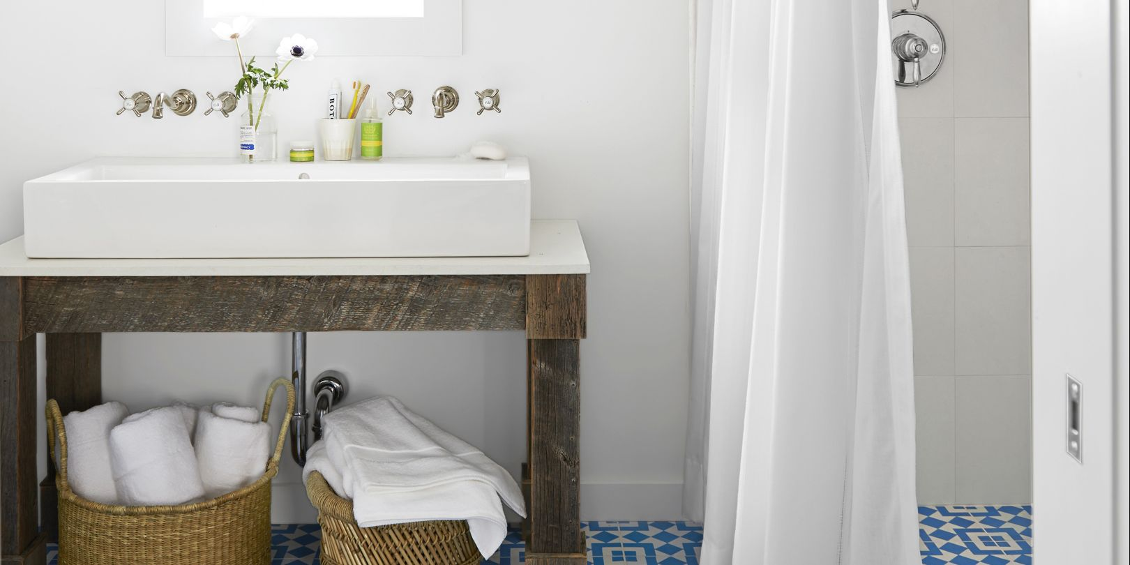 Optimal Usage Of Space And Items For Small Bathroom Ideas: 18 Small Bathroom Storage Ideas