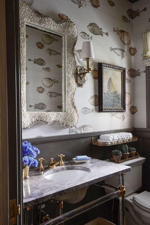 Room, Interior design, Property, Bathroom, Furniture, Mirror, Building, House, Architecture, Home,
