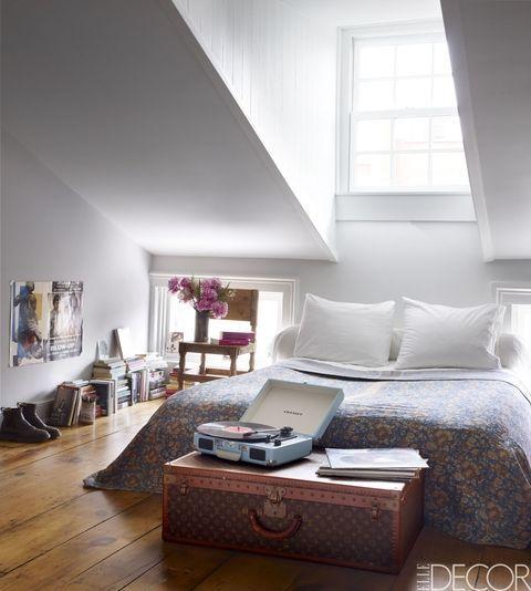 10 Tips On Small Bedroom Interior Design: 43 Small Bedroom Design Ideas