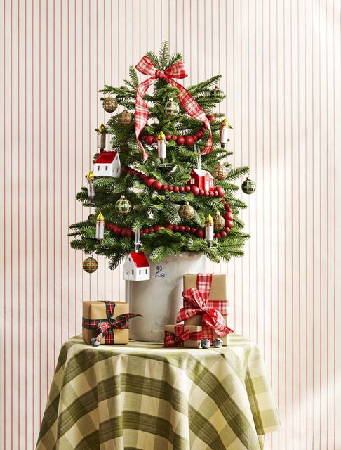2 Sheets Deck the Halls TRIM THE TREE Christmas 12 x 12 Paper