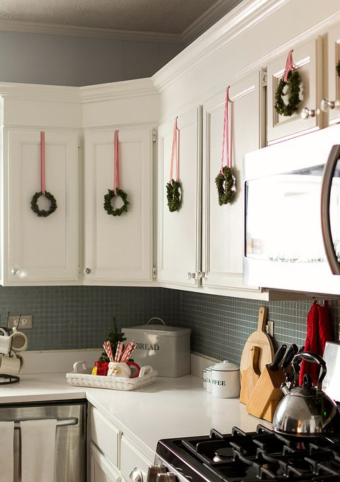 small holiday decorating - Top Of Kitchen Cabinet Christmas Decorating Ideas