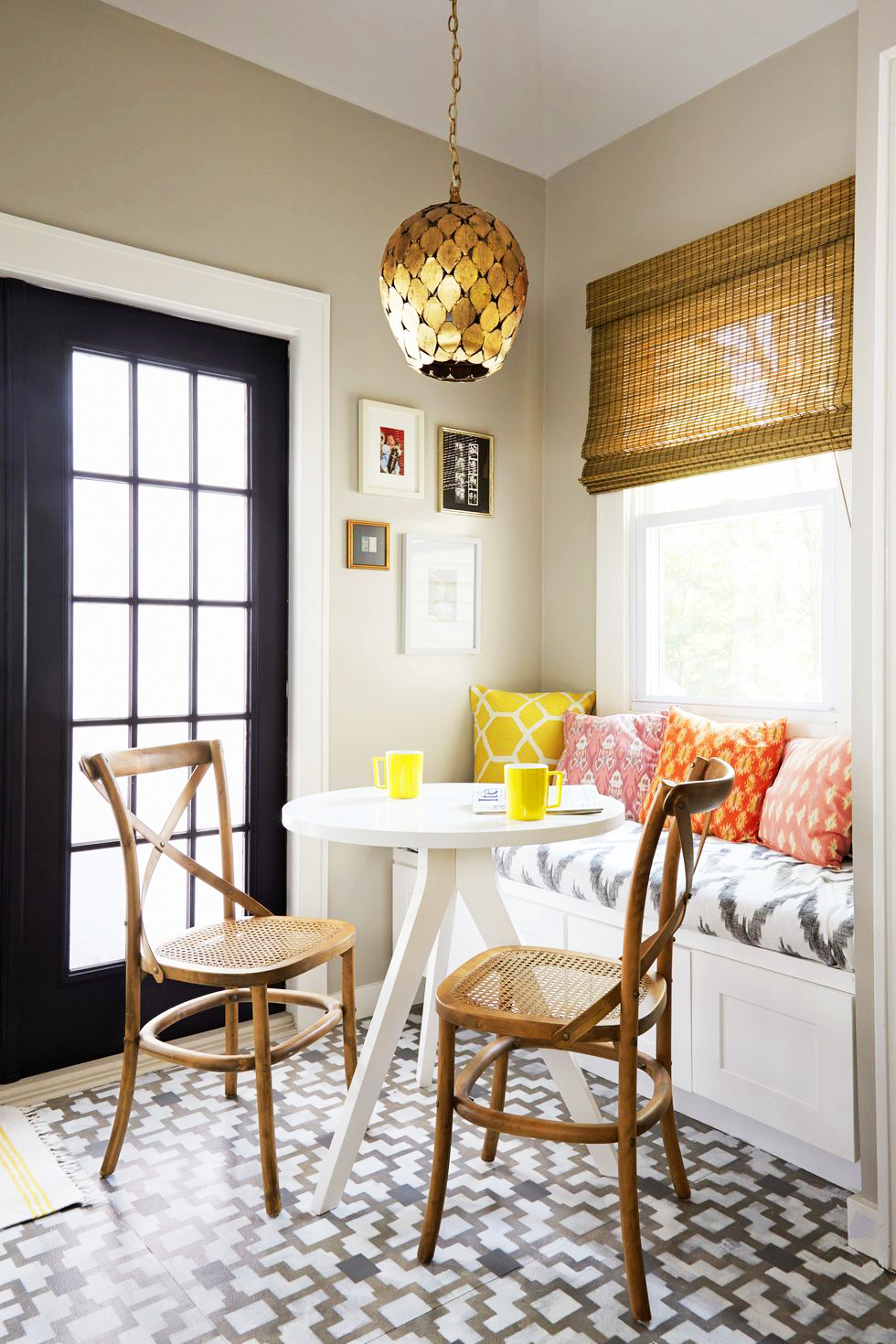 15 Small Dining Room Ideas - How to Decorate Your Small Dining Room