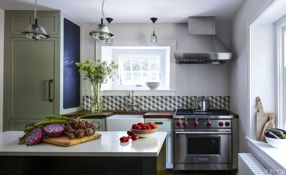 Charmant From Deep Greens To Cheerful Yellows, Experts Explain Their Go To Paint  Colors For The Kitchen. Small Kitchen Design