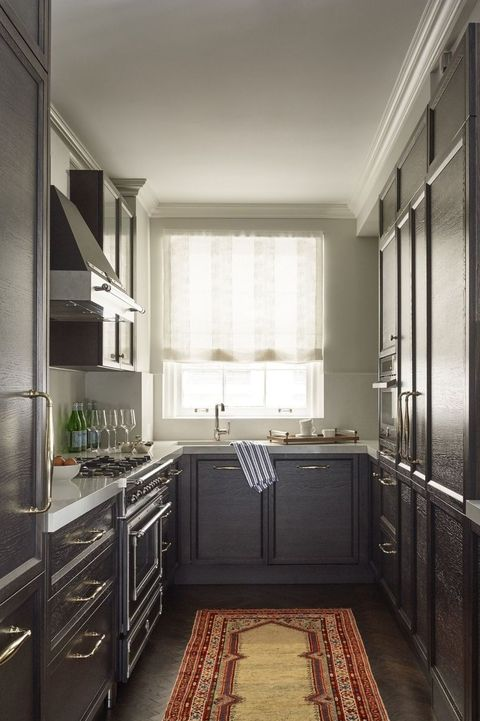 Best small kitchen designs design ideas for tiny kitchens for Eat in kitchen designs for small kitchen