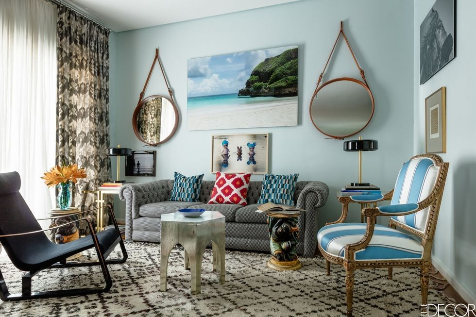 small space decorating ideas small apartments and room design tips rh elledecor com how to decorate a big living room space how to decorate a room space