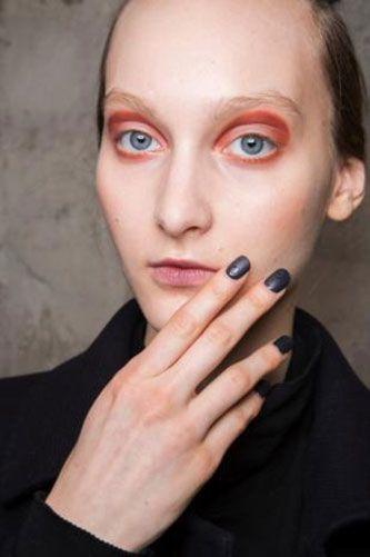 Finger, Lip, Brown, Eye, Skin, Forehead, Eyebrow, Hand, Eyelash, Formal wear,
