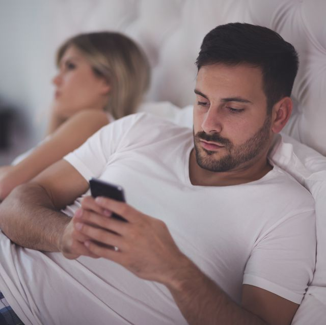 smartphone obsession causing problems in marriages