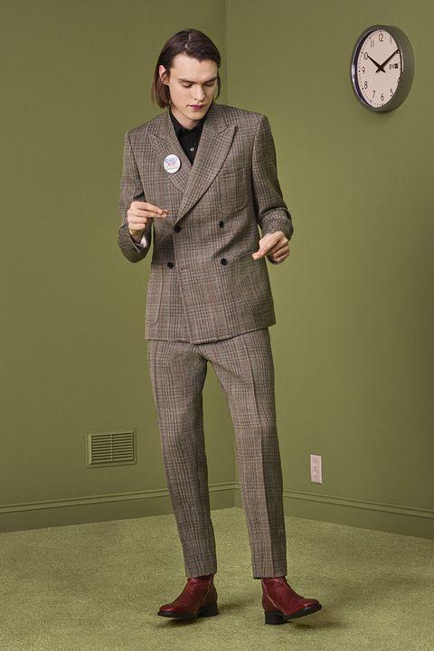 Clothing, Dress shirt, Collar, Sleeve, Shoulder, Suit trousers, Standing, Coat, Pocket, Formal wear,