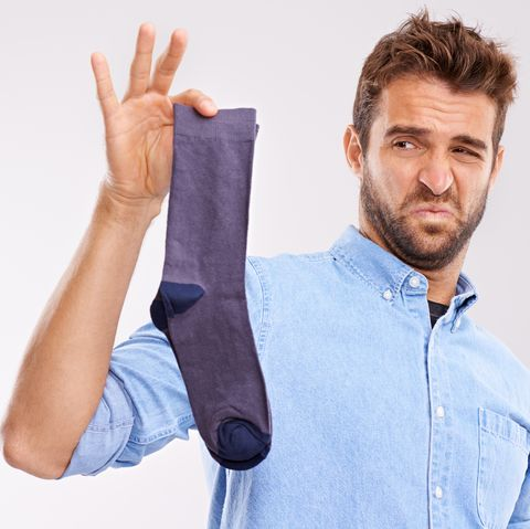 How to treat smelly feet