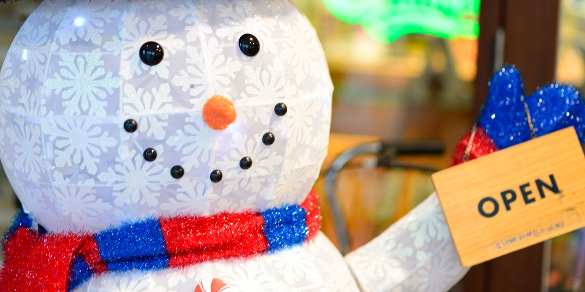 Stores Open Christmas Day & Eve 2018 - Places to Shop Last-Minute at Christmas