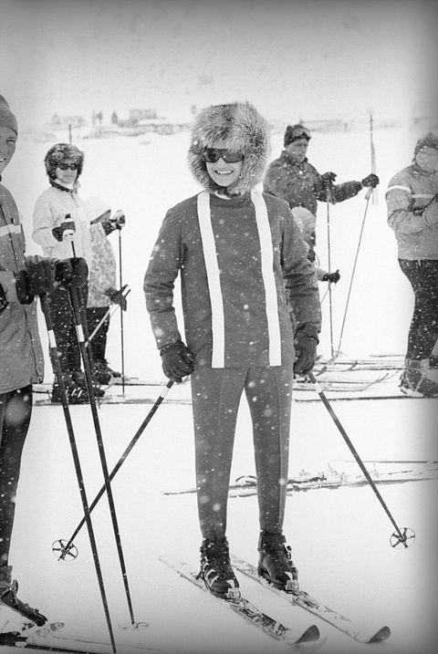 mrs john f jacqueline kennedy dressed for skiing