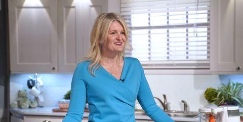 Homemaker, Cooking, Food, Room, Meal, Kitchen, Cooking show, Vegetarian food, Breakfast,