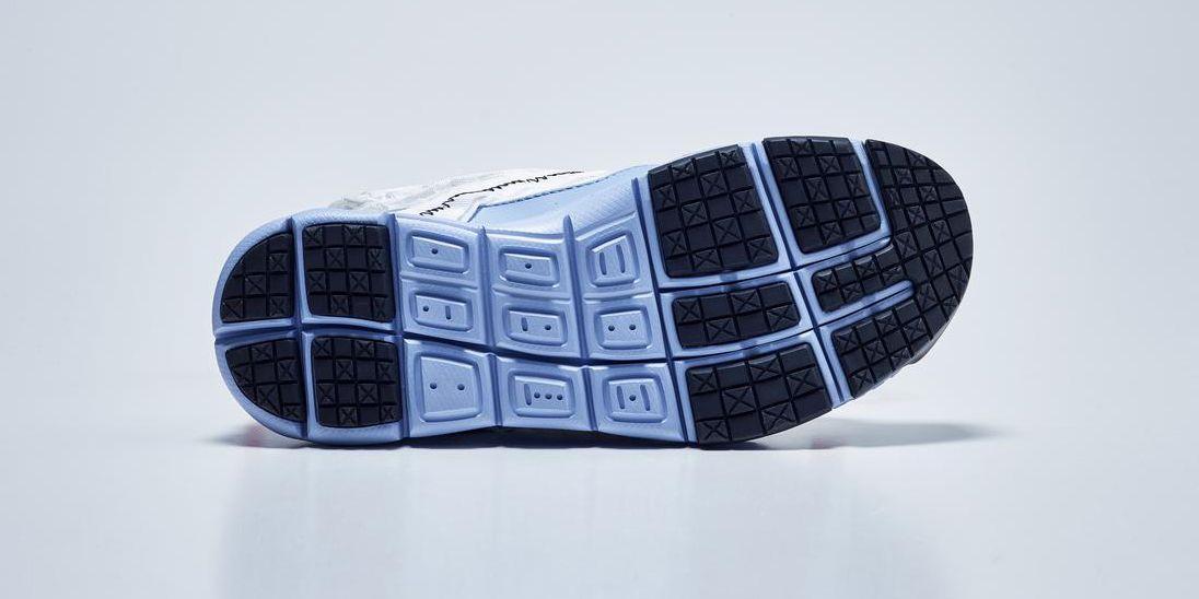 Le nuove sneakers Nike sembrano fatte per Marte
