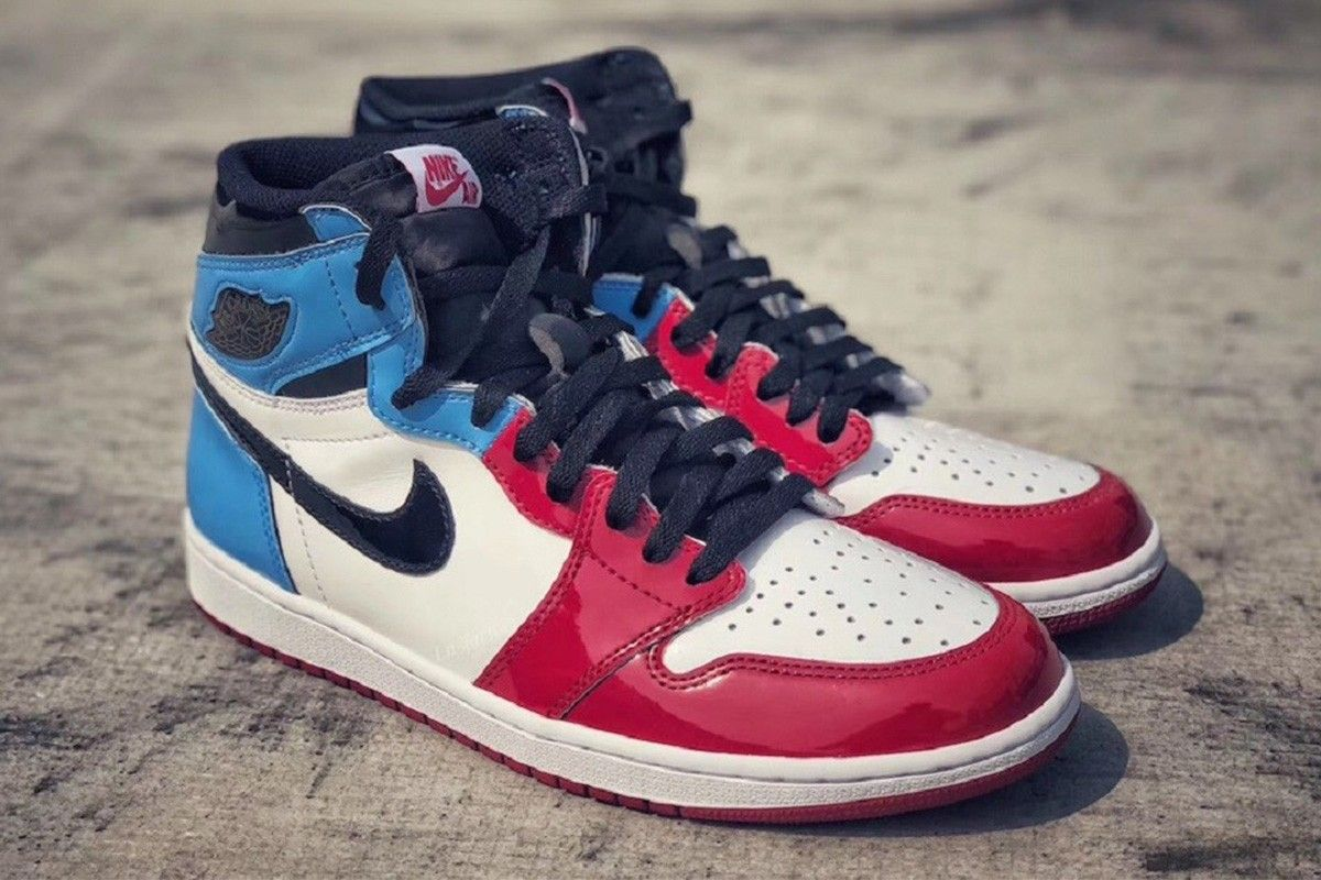 air jordan blu rosse e bianche
