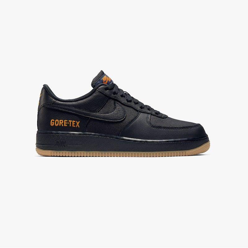 Le sneakers da avere per l'autunno inverno 2019 sono in Gore