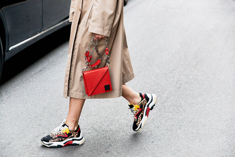 Sneakers donna da comprare con i saldi invernali 2019