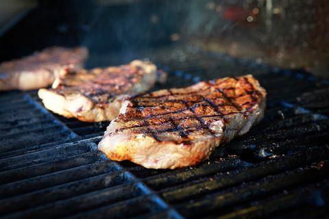 steaks op de grill