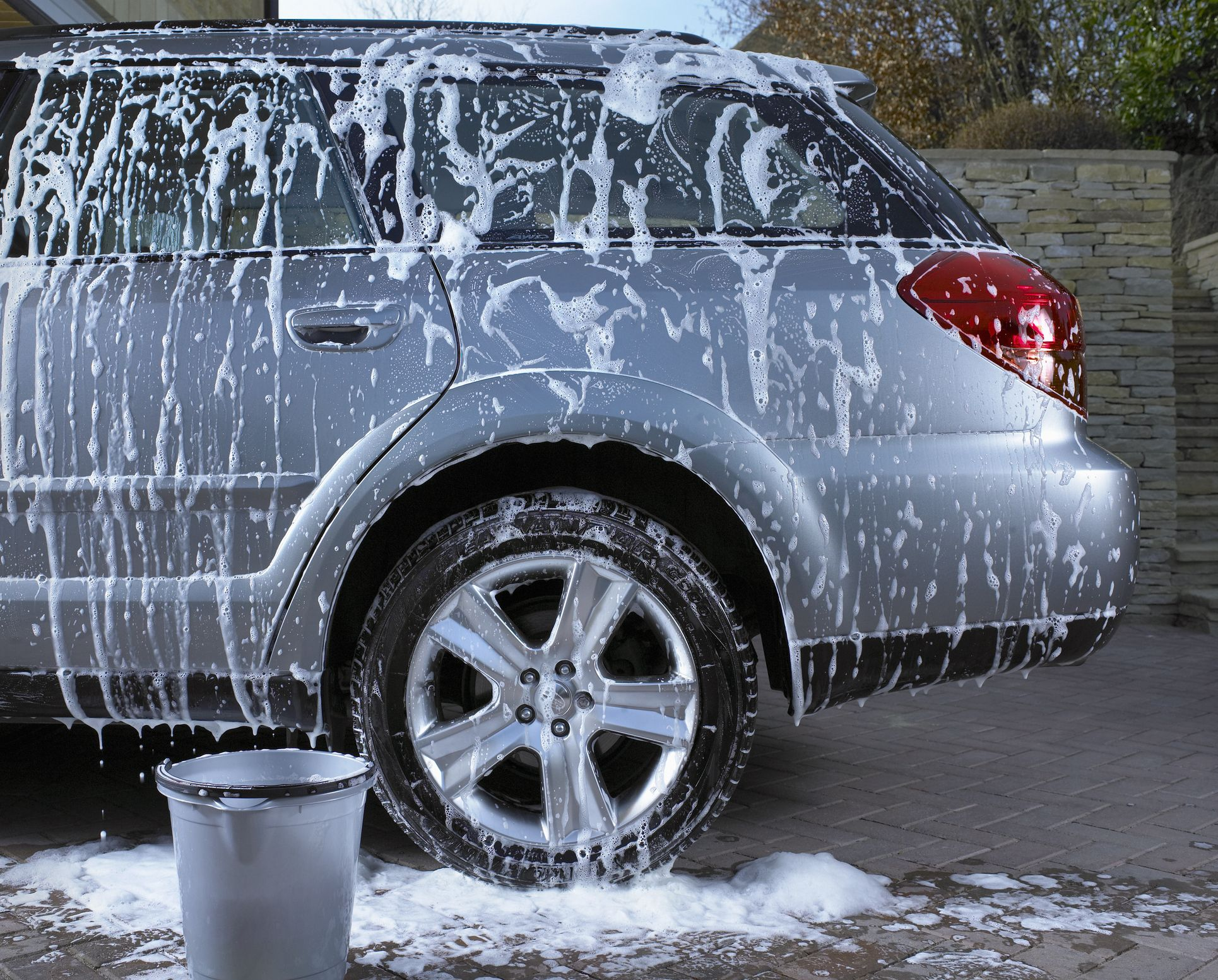 How to Wash Your Car Like a Pro in 12 Steps