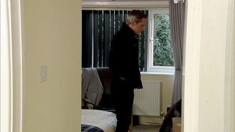Duncan Radfield arrives home after Gina has broken in in Coronation Street