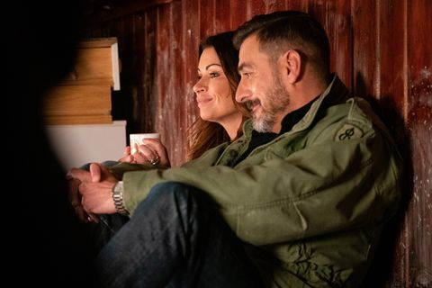 Peter Barlow and Carla Connor grow closer in Coronation Street