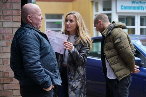 Louise Mitchell shares her good news with Phil in EastEnders