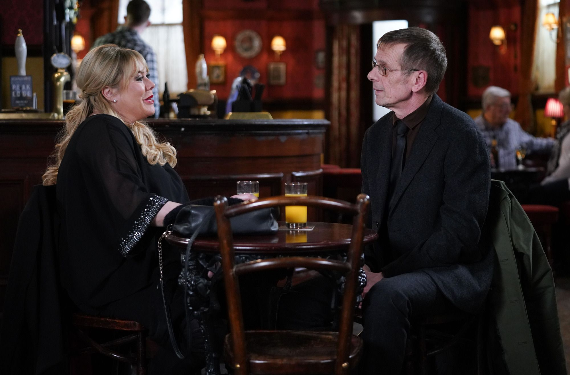 Sharon Mitchell and Lofty Holloway catch up in EastEnders