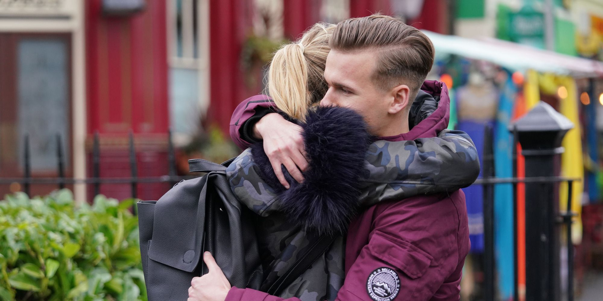 Hunter Owen apologises to Louise Mitchell in EastEnders