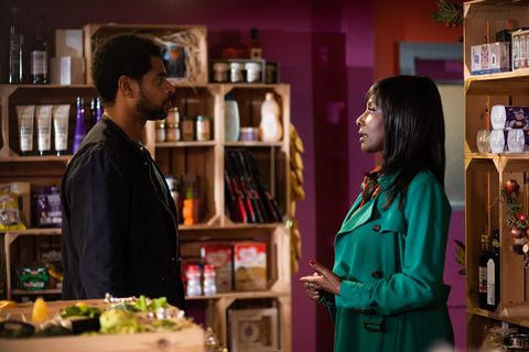Louis and Simone Loveday get closer again in Hollyoaks
