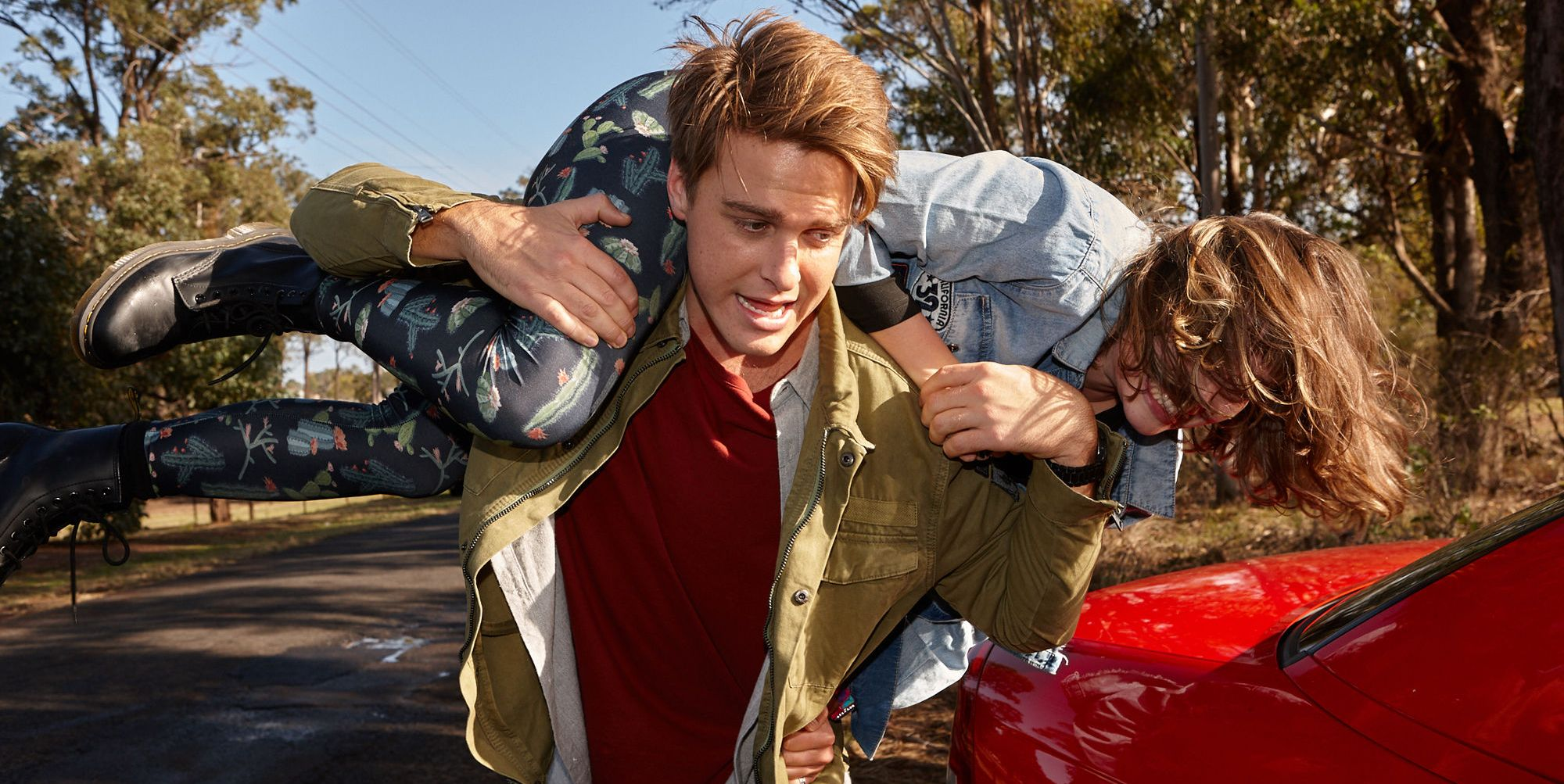 Colby Thorne kidnaps Bella Nixon in Home and Away
