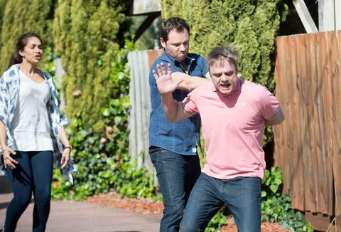 Shane Rebecchi clashes with Gary Canning in Neighbours