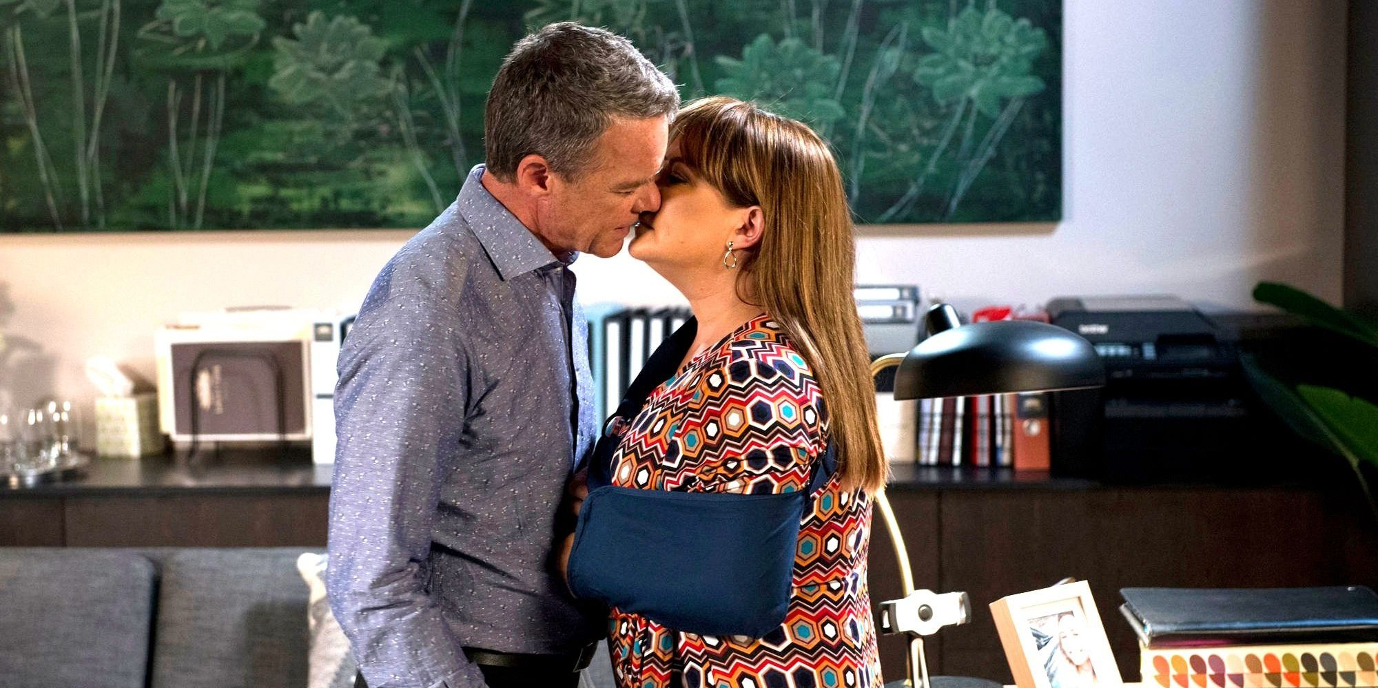 Paul Robinson and Terese Willis grow closer in Neighbours