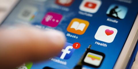Social media app icons on a smartphonescreen