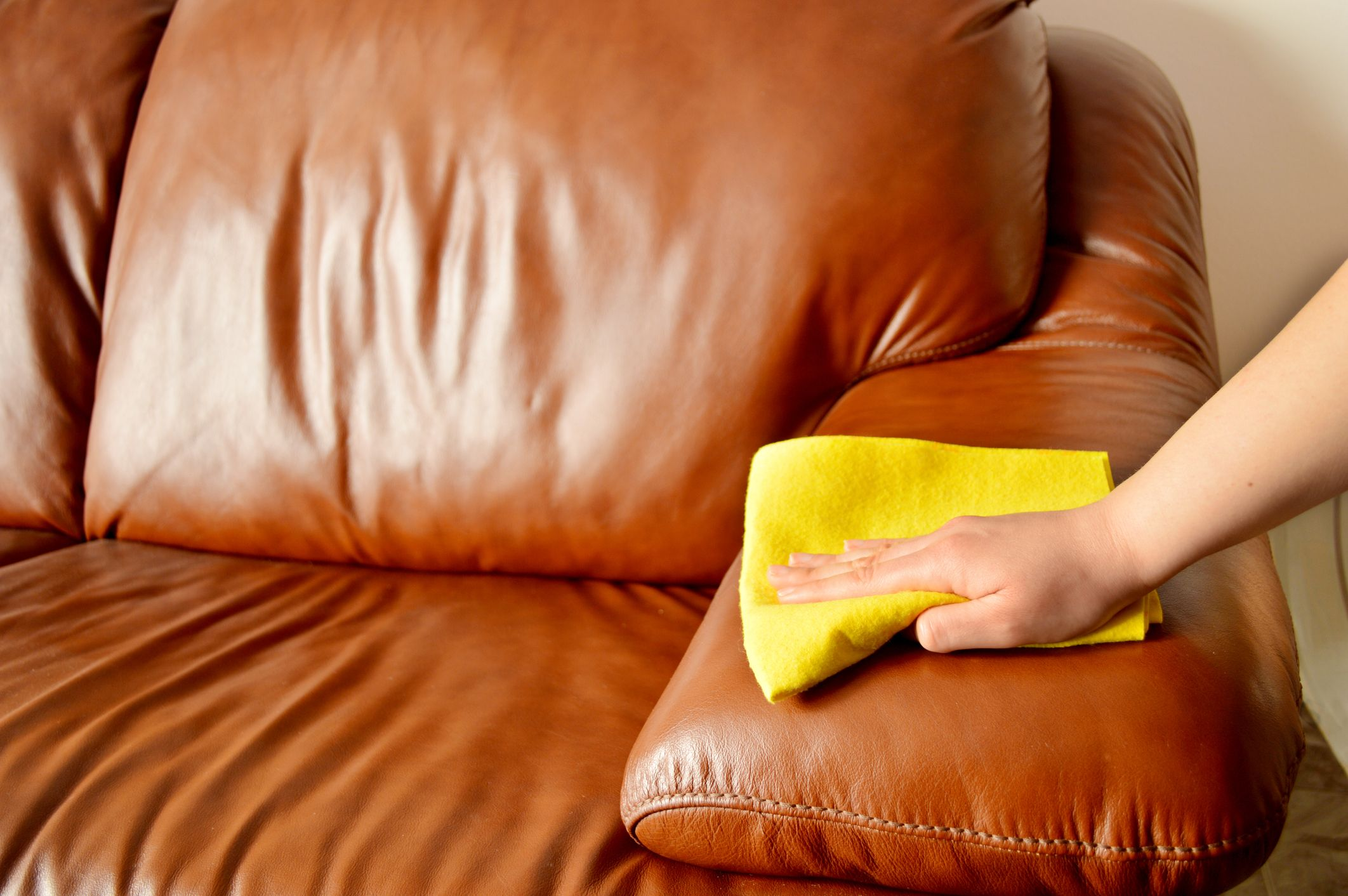 How To Clean A Leather Couch Best Way