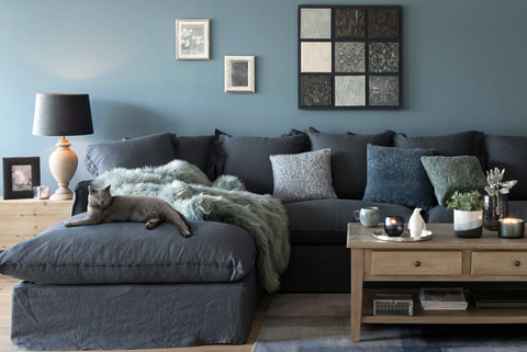sofá de lino lavado azul