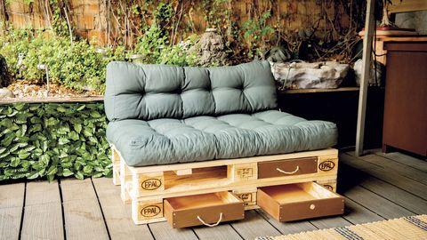 sofá de palets con cajones