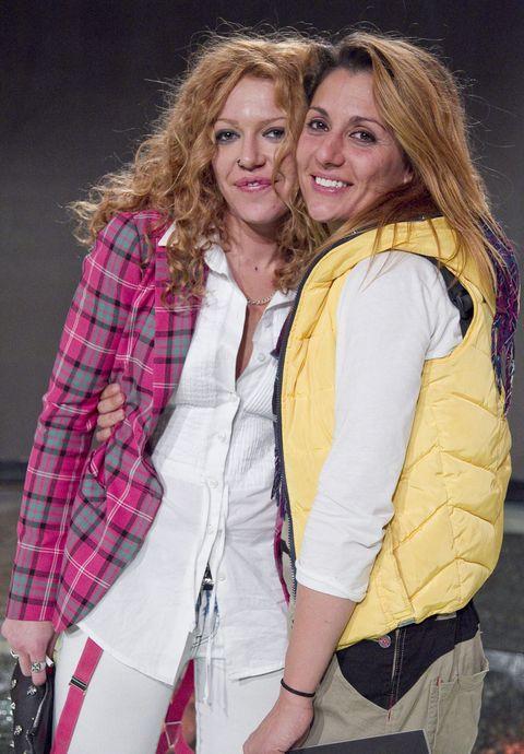 la concursante de secret story y la presentadora en una imagen de 2011 cuando eran pareja