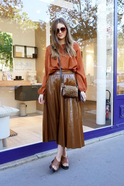 Clothing, Street fashion, Orange, Brown, Fashion, Peach, Snapshot, Footwear, Pink, Beige,