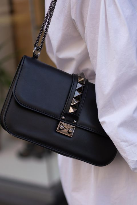 Bag, Handbag, White, Black, Fashion accessory, Leather, Street fashion, Fashion, Shoulder, Satchel,