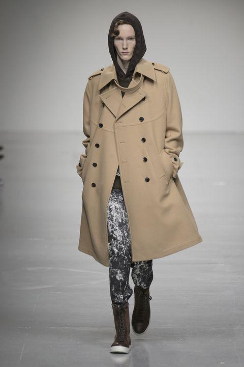 Cappotto in cammello da uomo  come si porta questo autunno  b8962e7e0a6