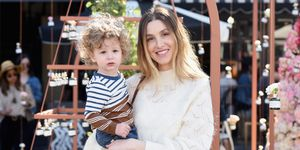 Whitney Port en zoon Sonny bijBiossance's Miracle On Melrose