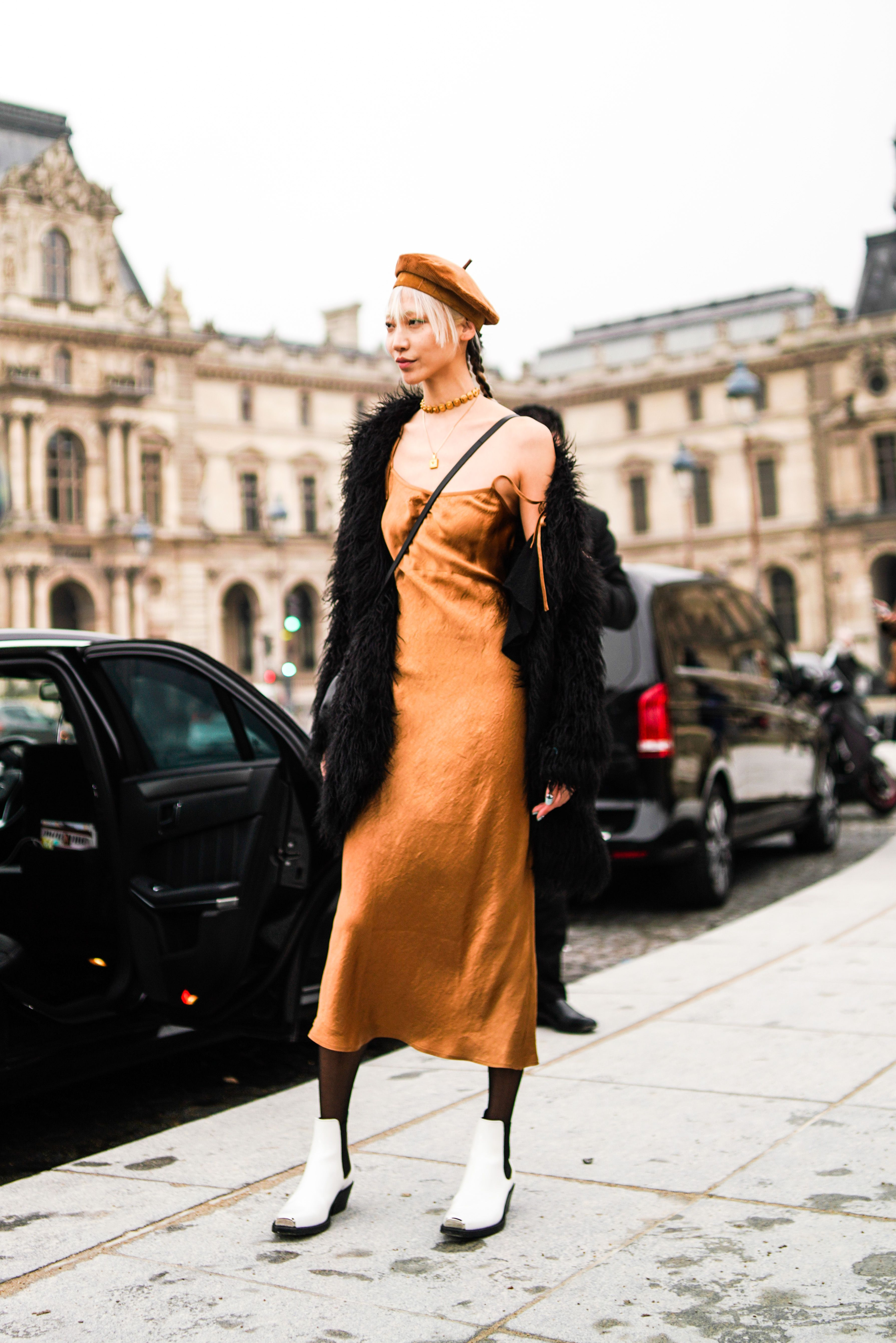 Street Style - Paris Fashion Week - Menswear F/W 2019-2020 : Day Six
